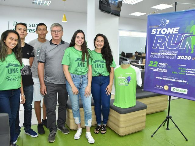 Inscritos na 2ª Stone Run concorrem a uma poupança de R$ 300,00 do Sicredi